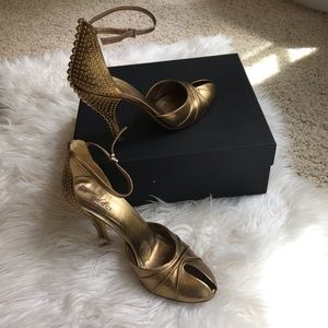 GUCCI bronze gorgeous studded vintage heels 7.5